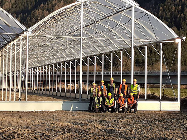 Greenhouses and glasshouse constructions project - Greenhouse building & assembling continues all over the world (HortiDaily)